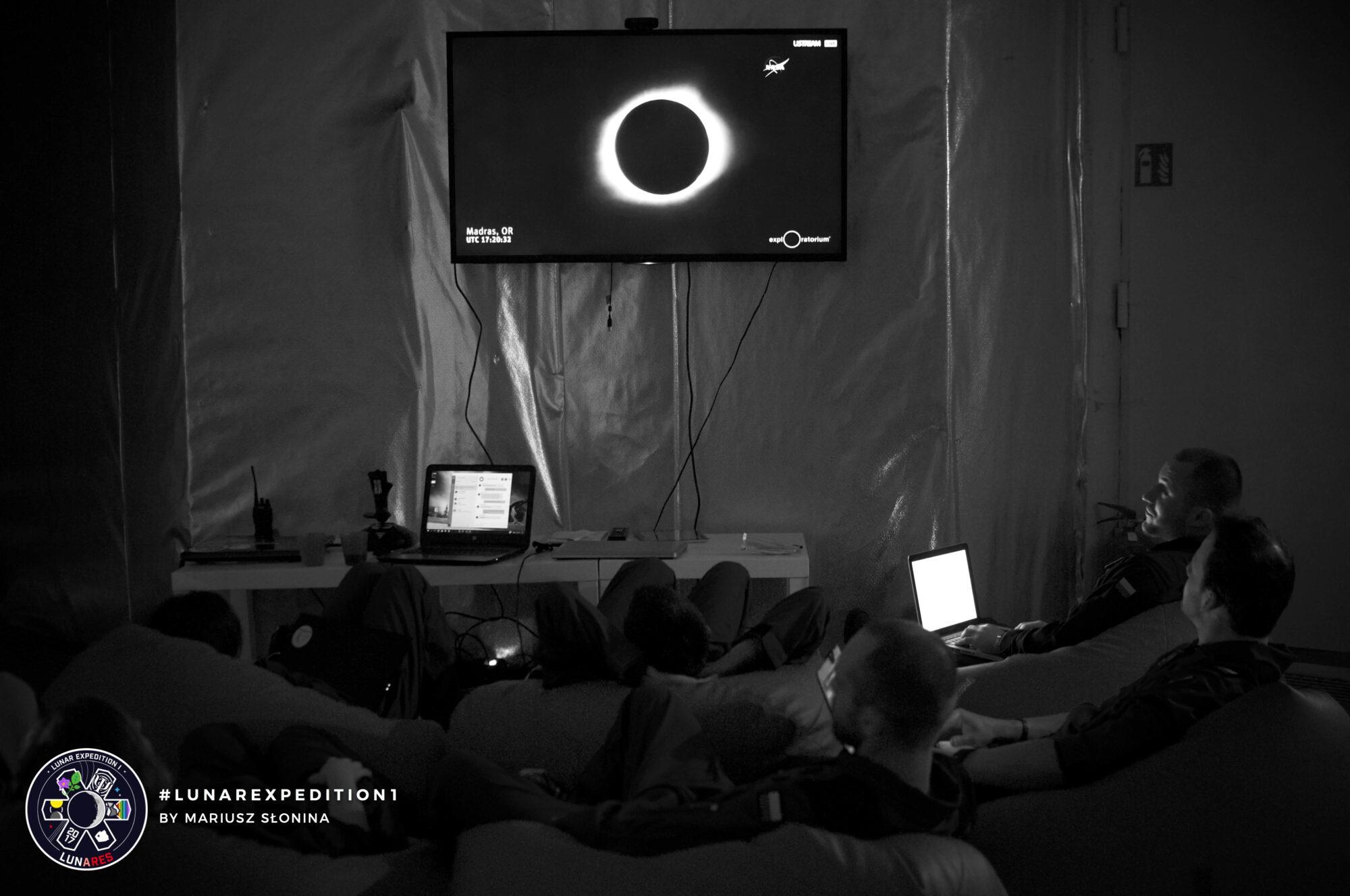 lunar-expedition-01/ND_20170821_192436_2111_001.jpg